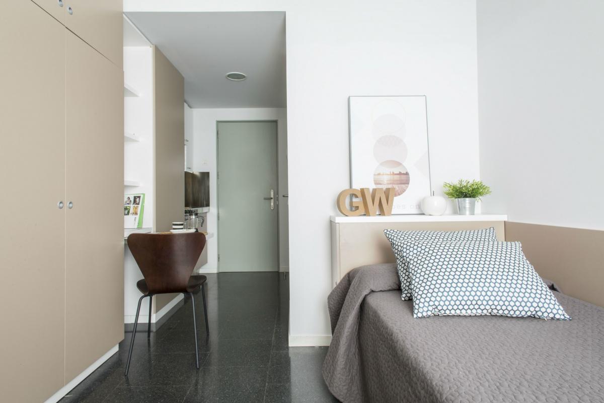 Alojamiento por d as o semanas en la residencia roberto de for Residencia para universitarios